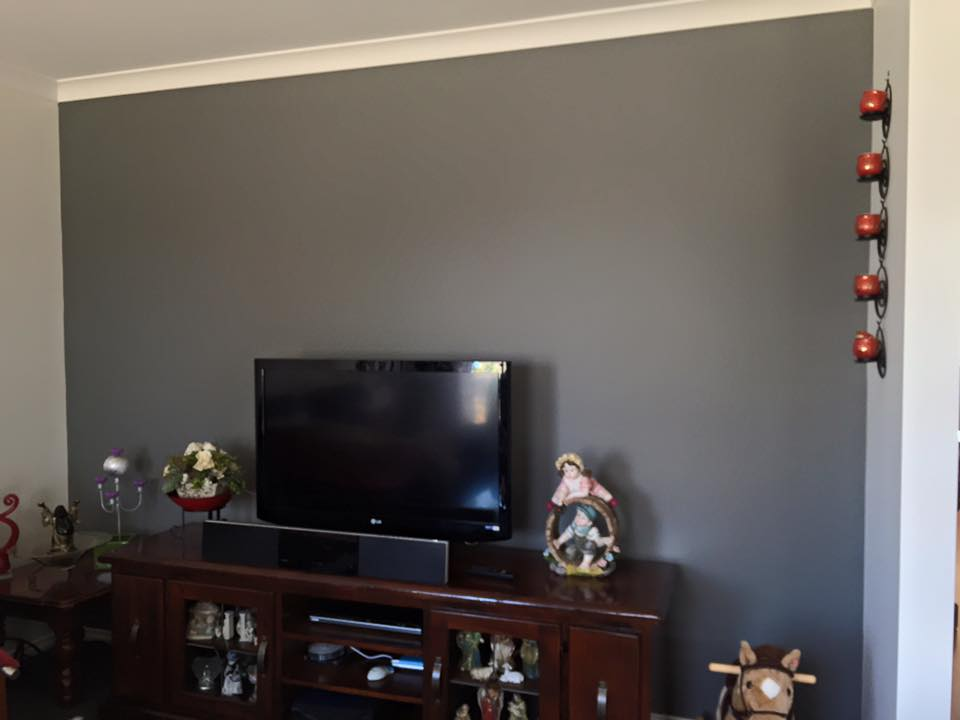 interior feature walls at riverview drv kialla rod allemand painting